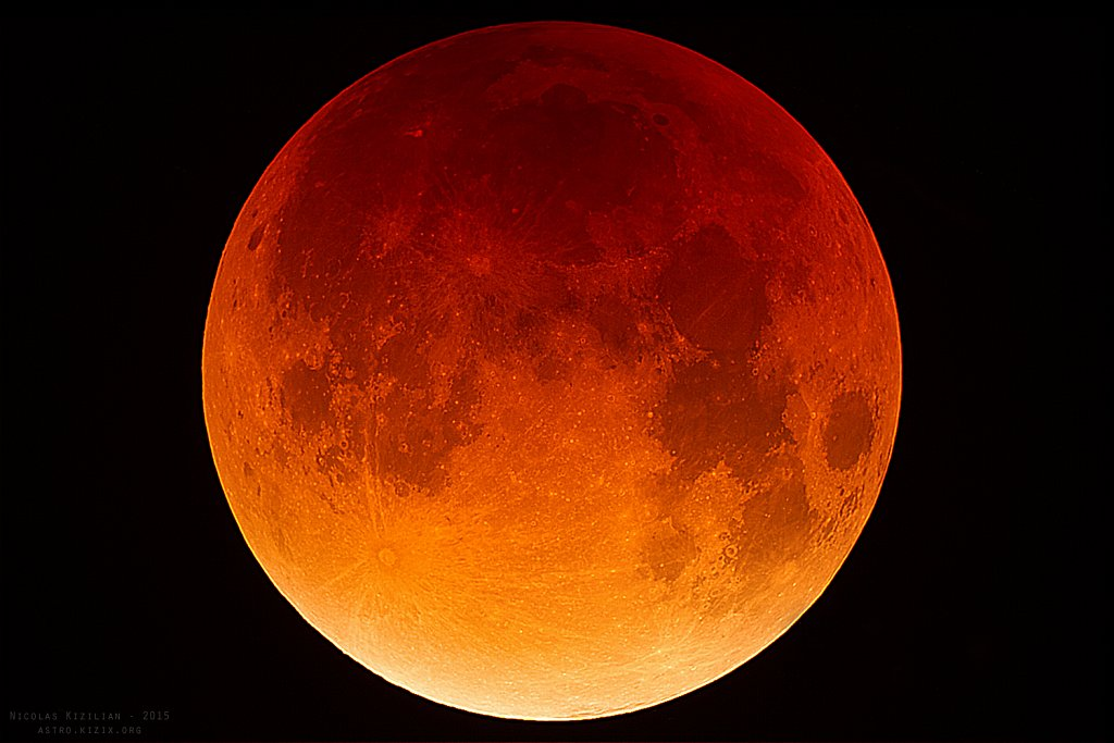 The total lunar eclipse of 2015